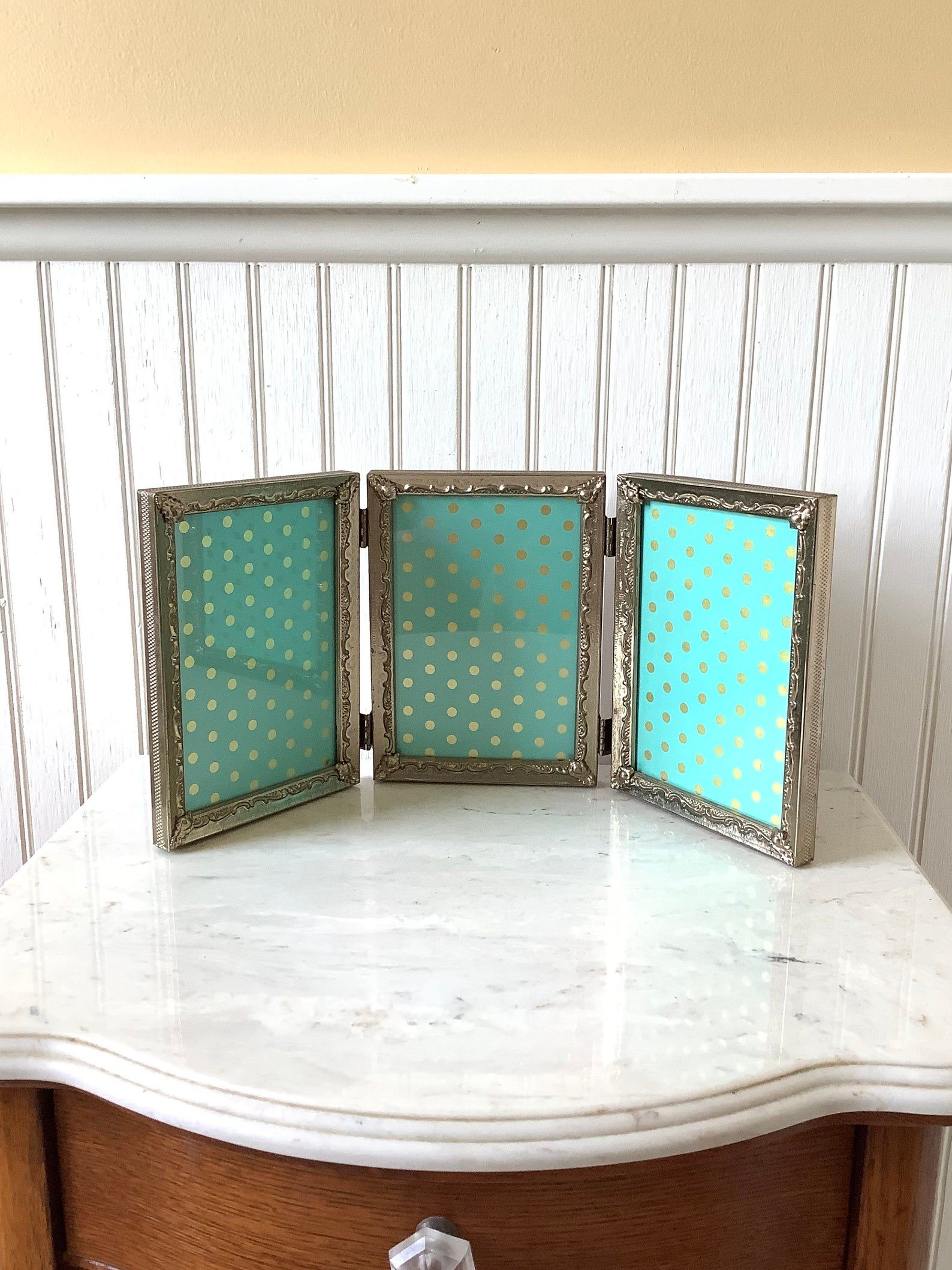 Vintage Gold Tone Ornate Filagree Scroll Picture Photo Frame 11 x 9 Shabby Country Wedding