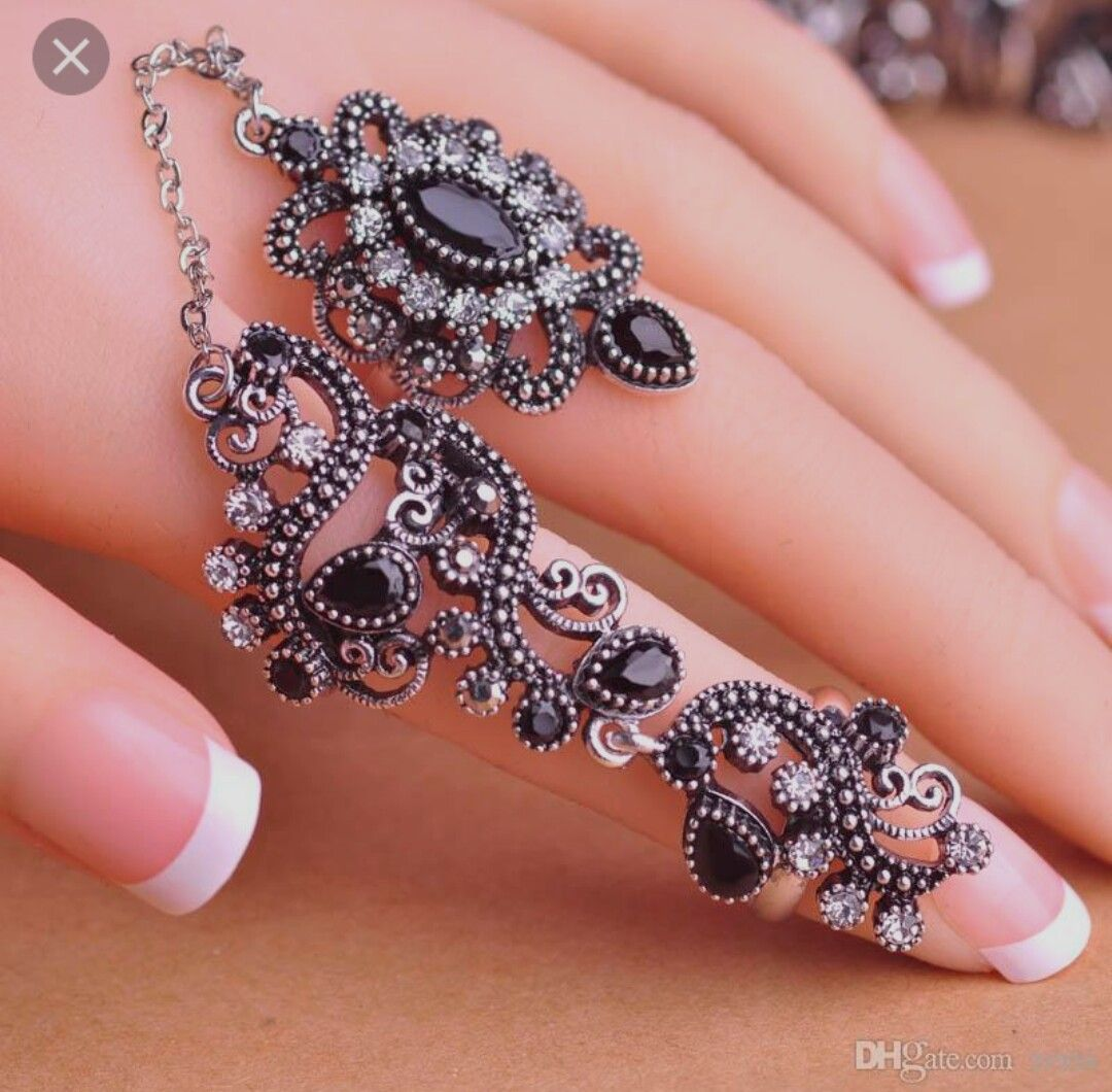 Pin by afiya rabiya on finger rings nd bracelets | Pinterest ...