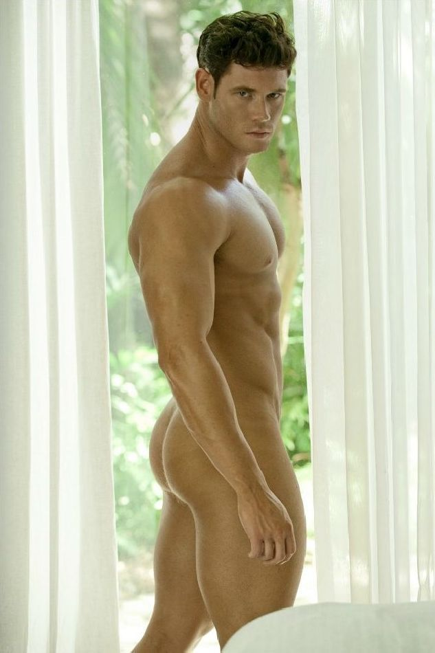 Brian Lewis by David Vance – Spectacular Body Rear View, Sexy Guys, Sexy Men