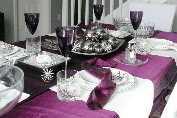 Purple Christmas Table You Could Use Eggplant Black And Ivory Longaberger Stuff Too Christmas Table Decorations Christmas Table Table Decorations