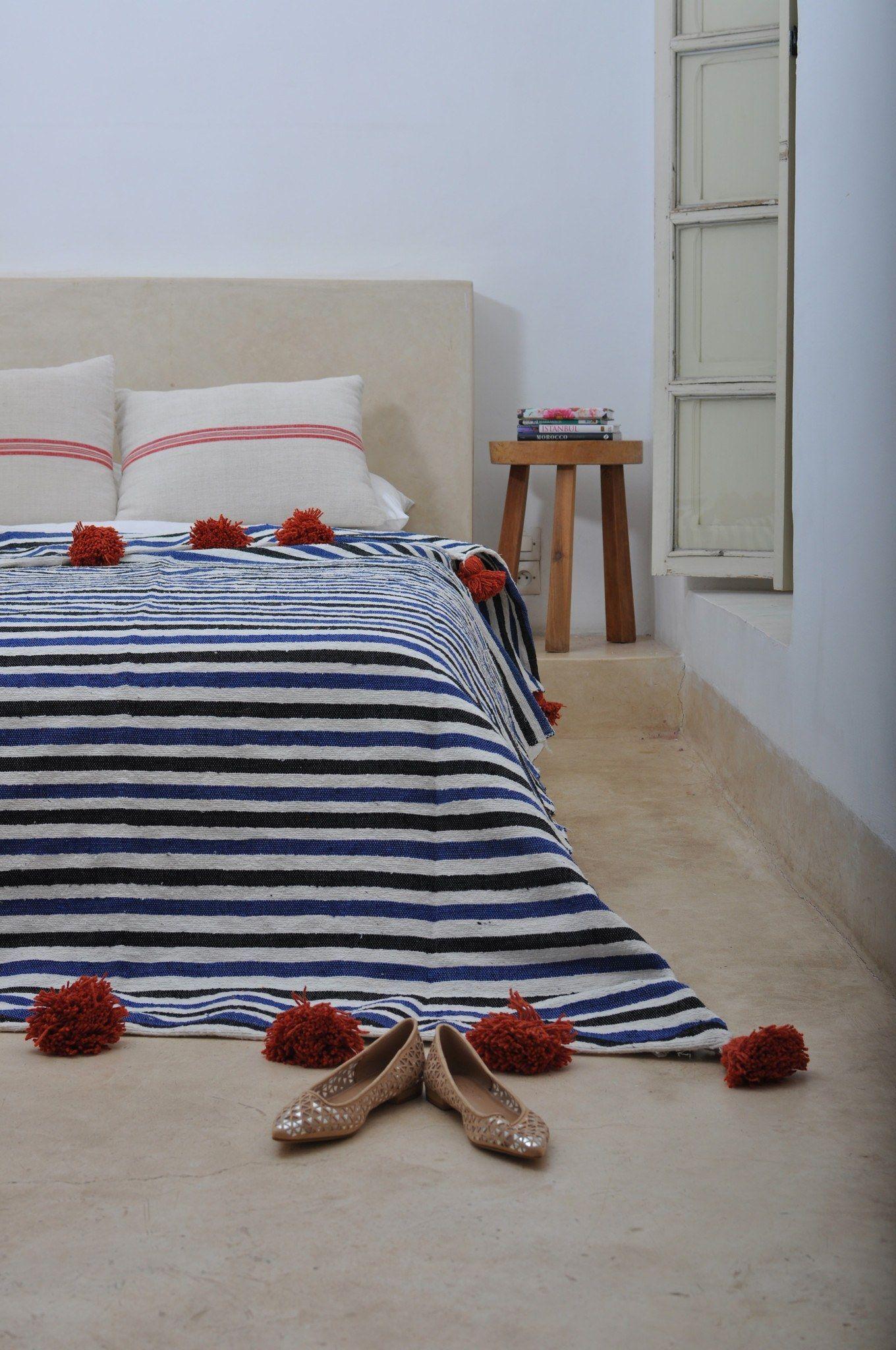 Corsica. Pom Pom Blanket