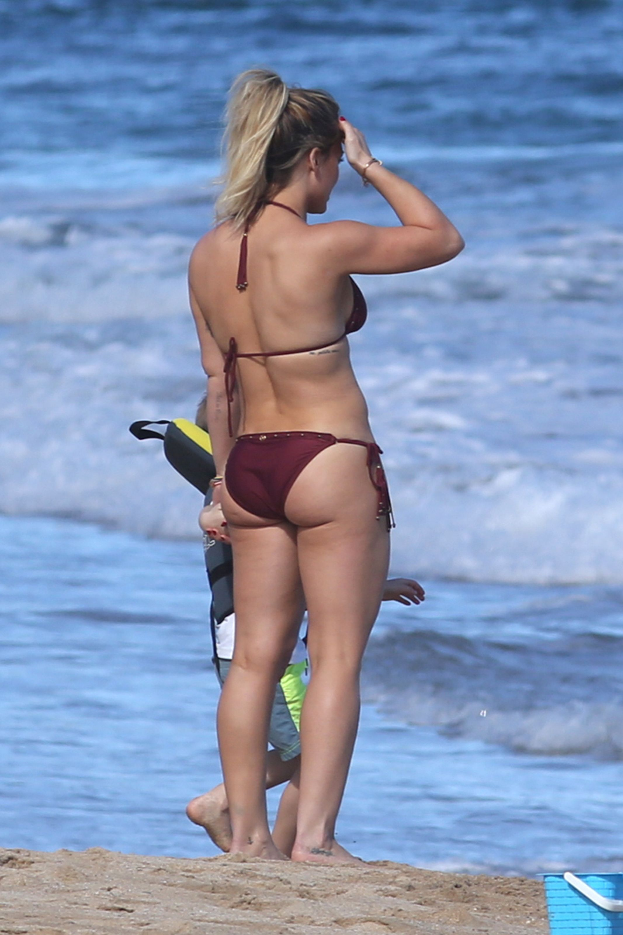 Liten nude pics of hilary duff hot woman!
