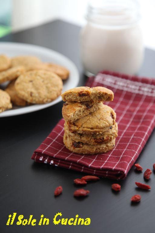 biscotti con bacche verticale1