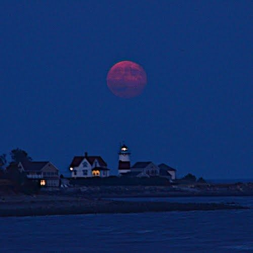Moonrise – Stratford Point Lighthouse, Connecticut