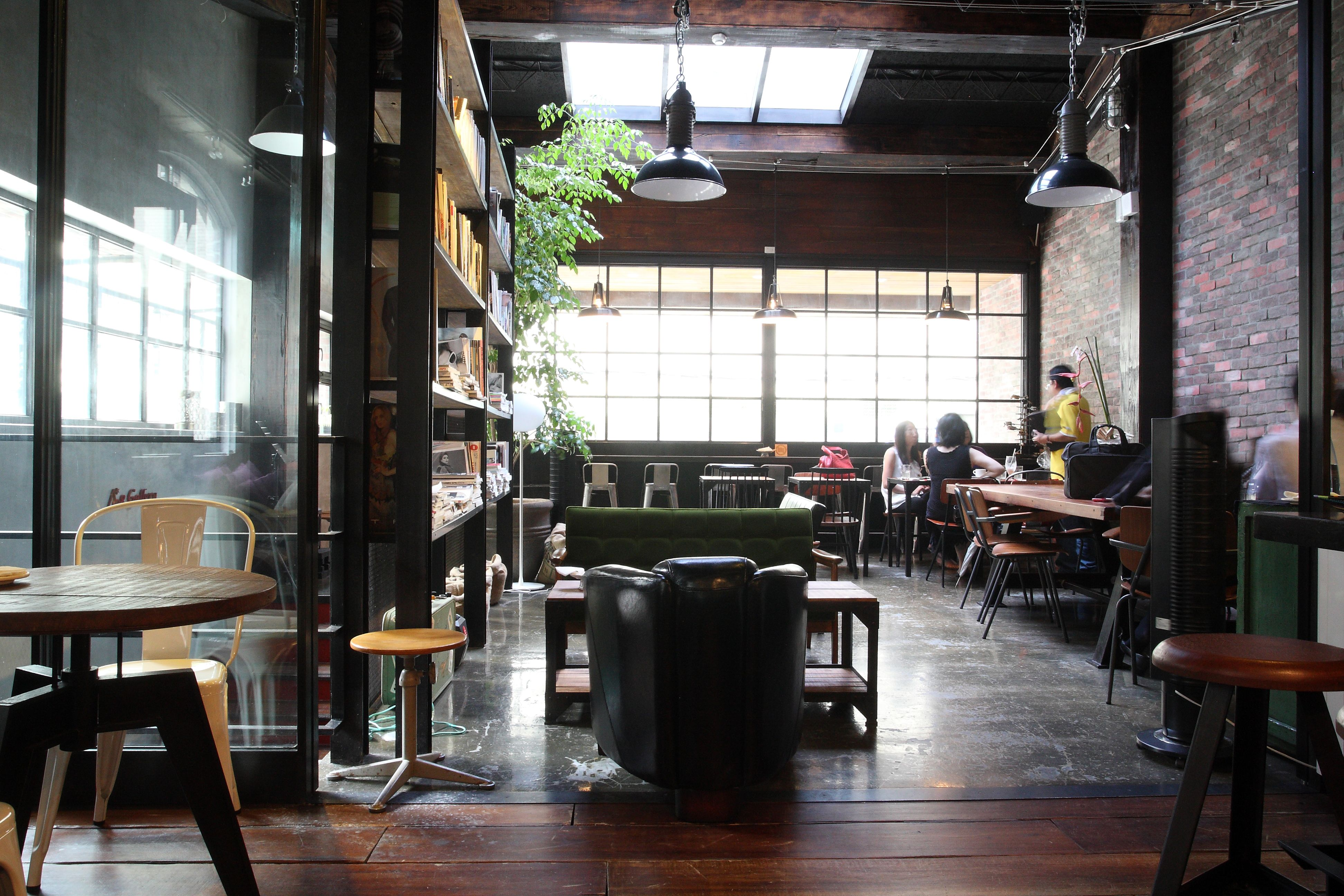 A8 Cafe New York Loft Style Cafe In Taipei Cafe Interior Design New York Loft Cool Cafe