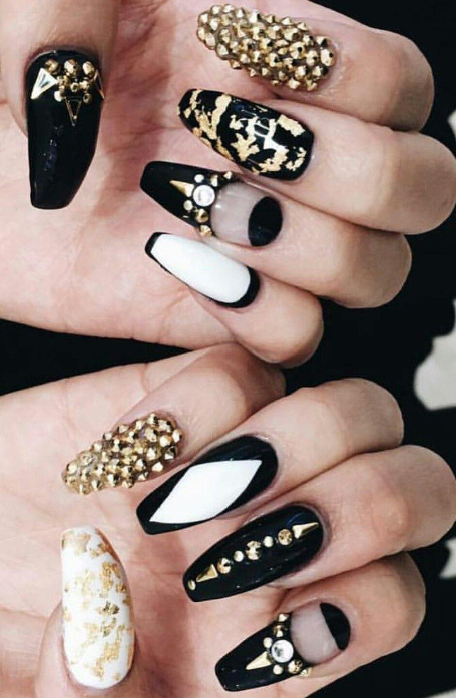 Black white gold #nails design #nailart inspiration ...