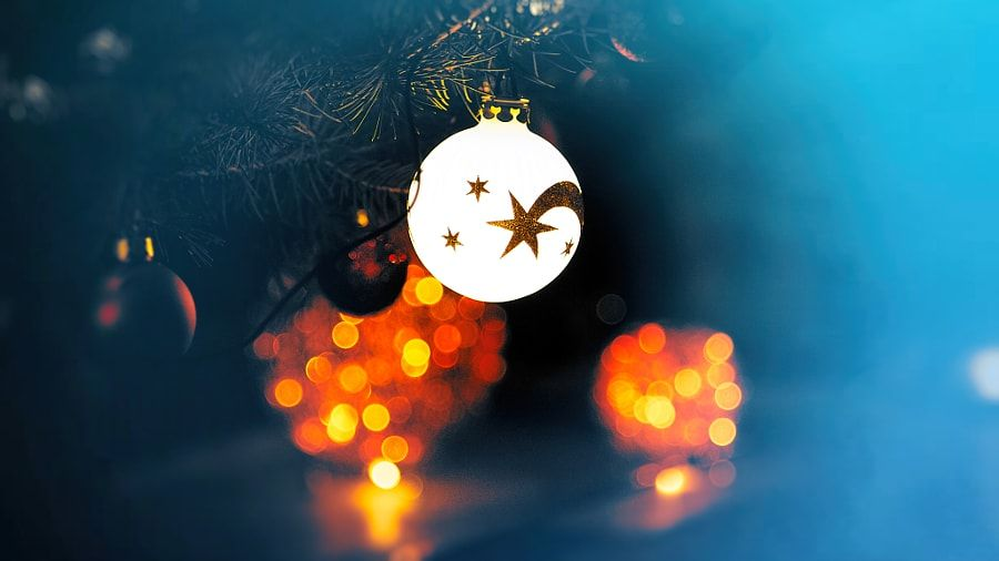 christmas tree decoration by Phillipp Arnold - Photo 131670165 / 500px