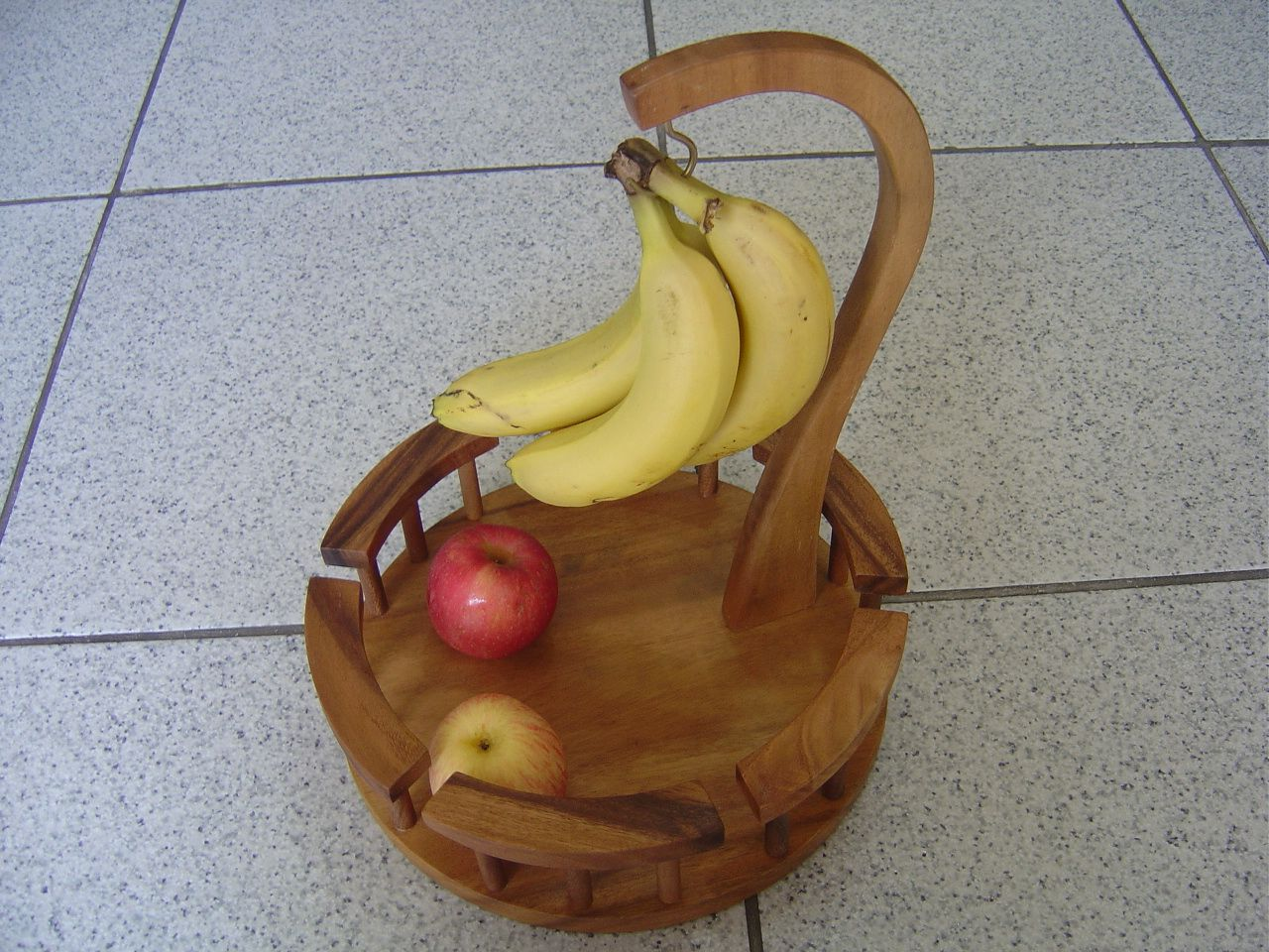 how to make a wooden banana holder