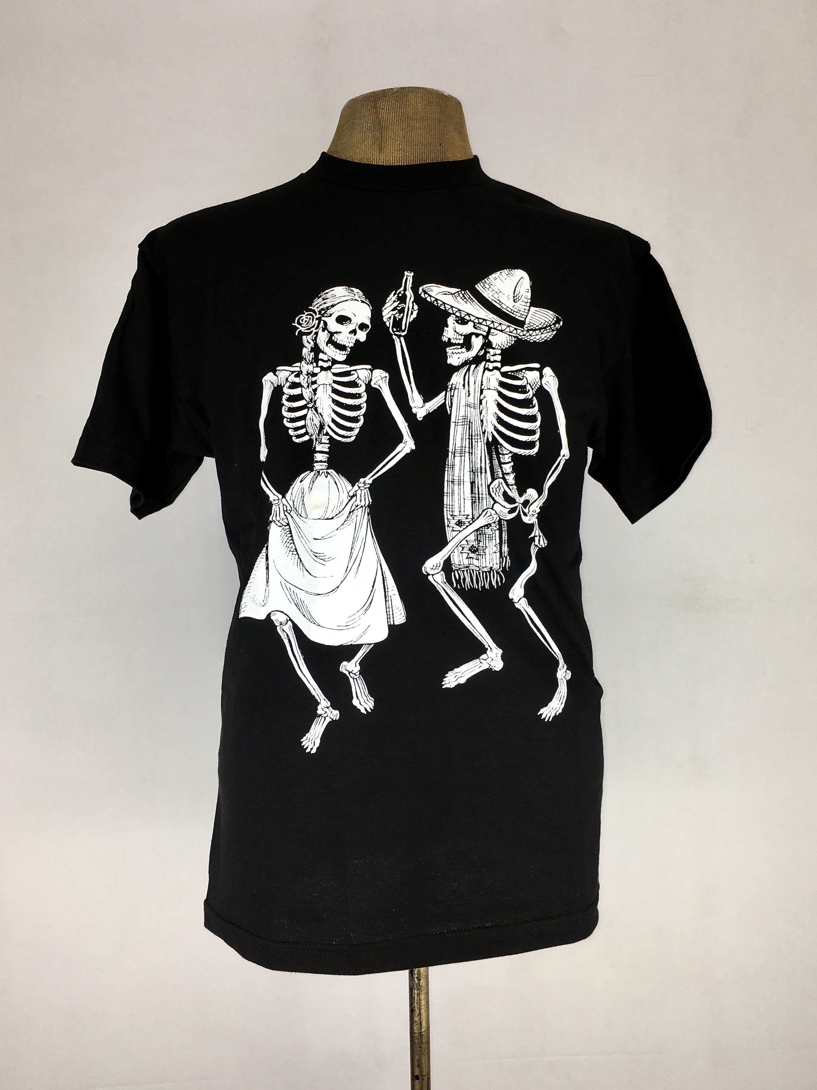 Dancing couple die de los muertos inspired tee