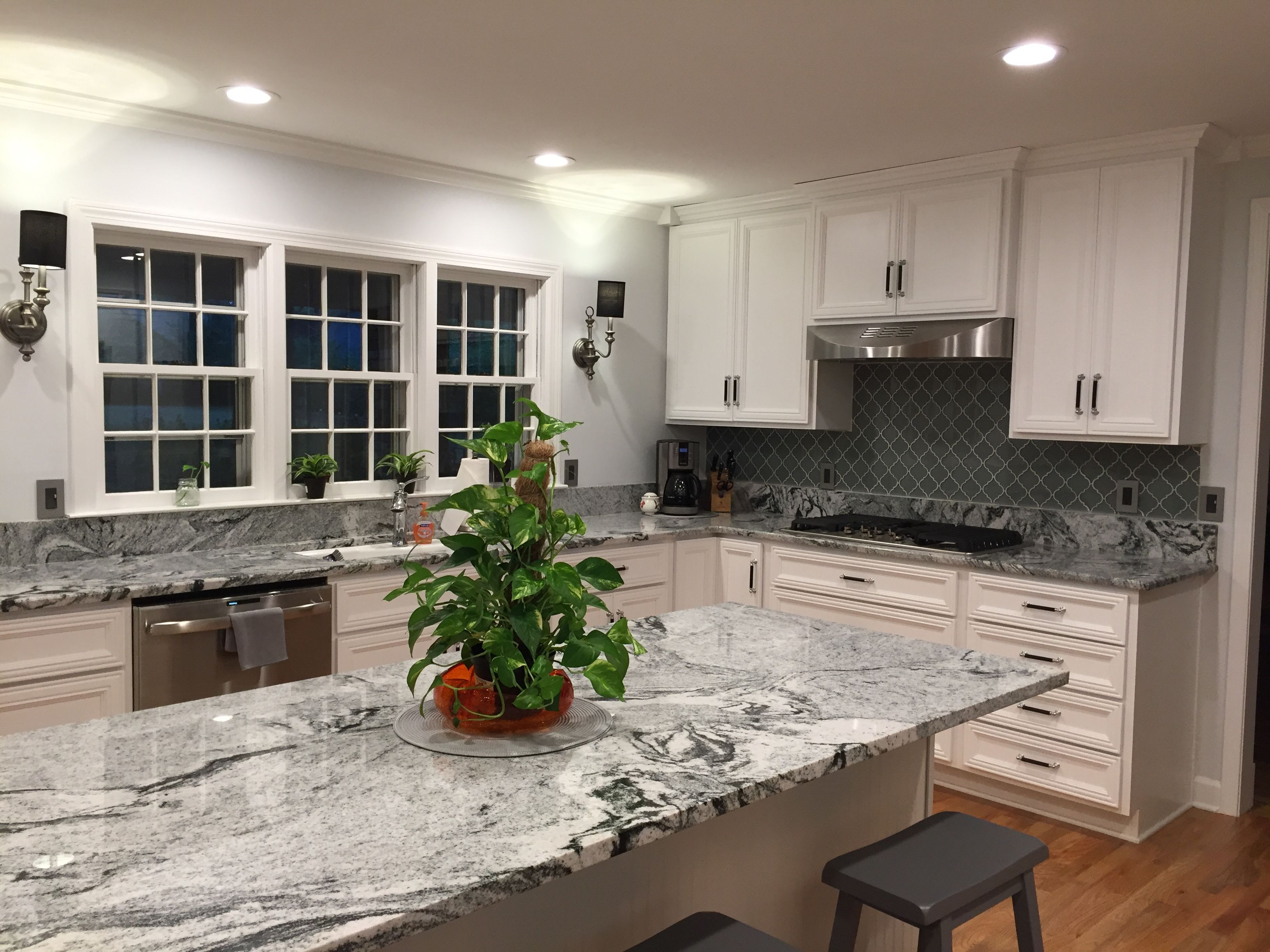 - Granite: Viscon White Backsplash: Arabesque Glass Tile White