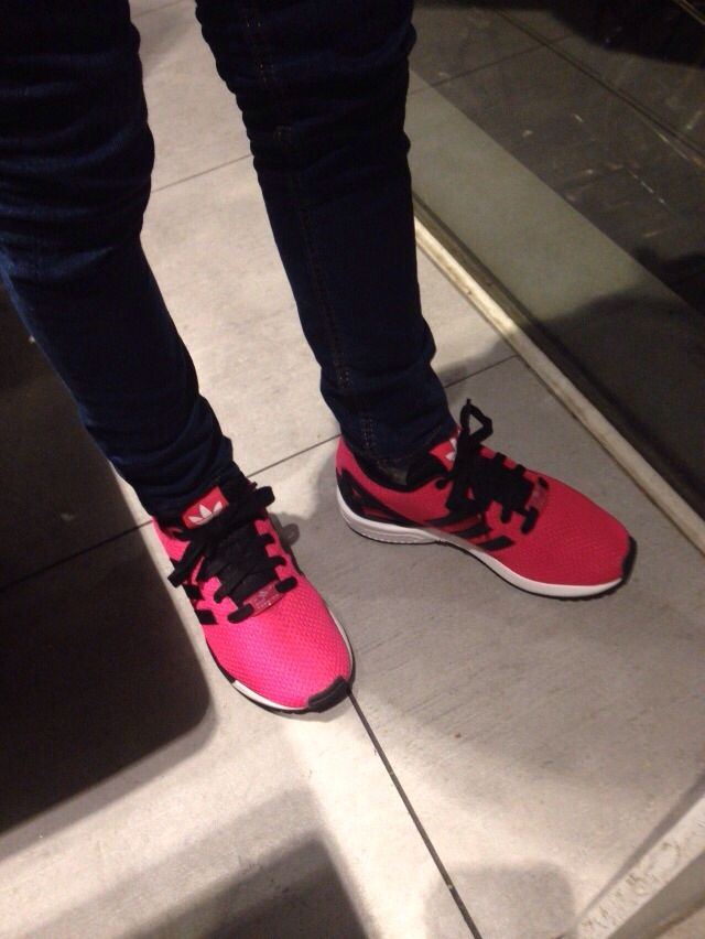 Eindelijk sportschoenen gevonden die mijn dochter aan wil