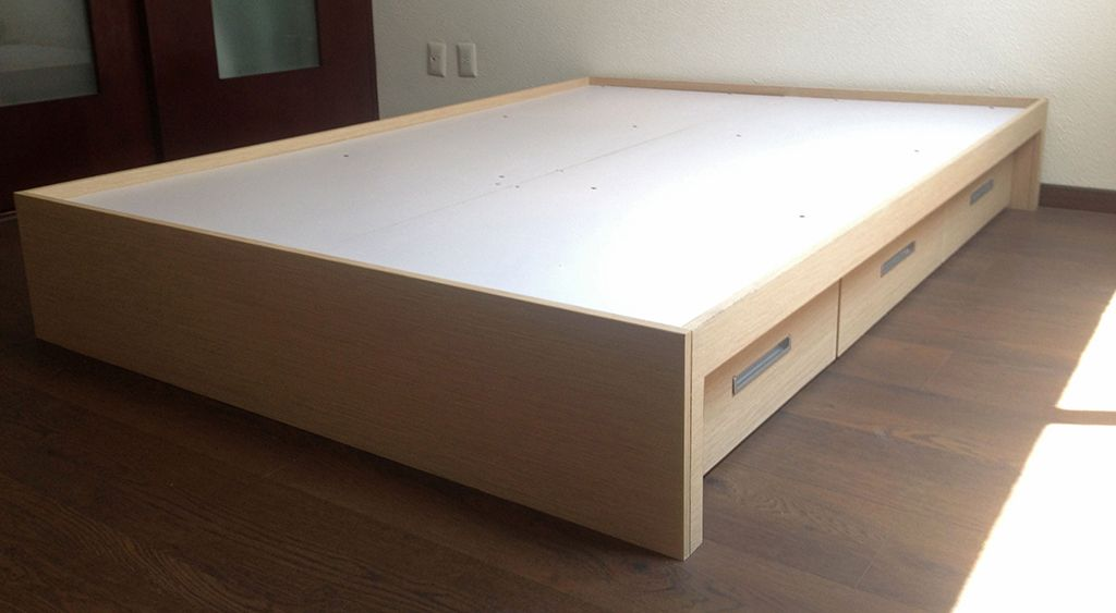 Como construir una cama con cajonera buscar con google for Camas con cajones debajo