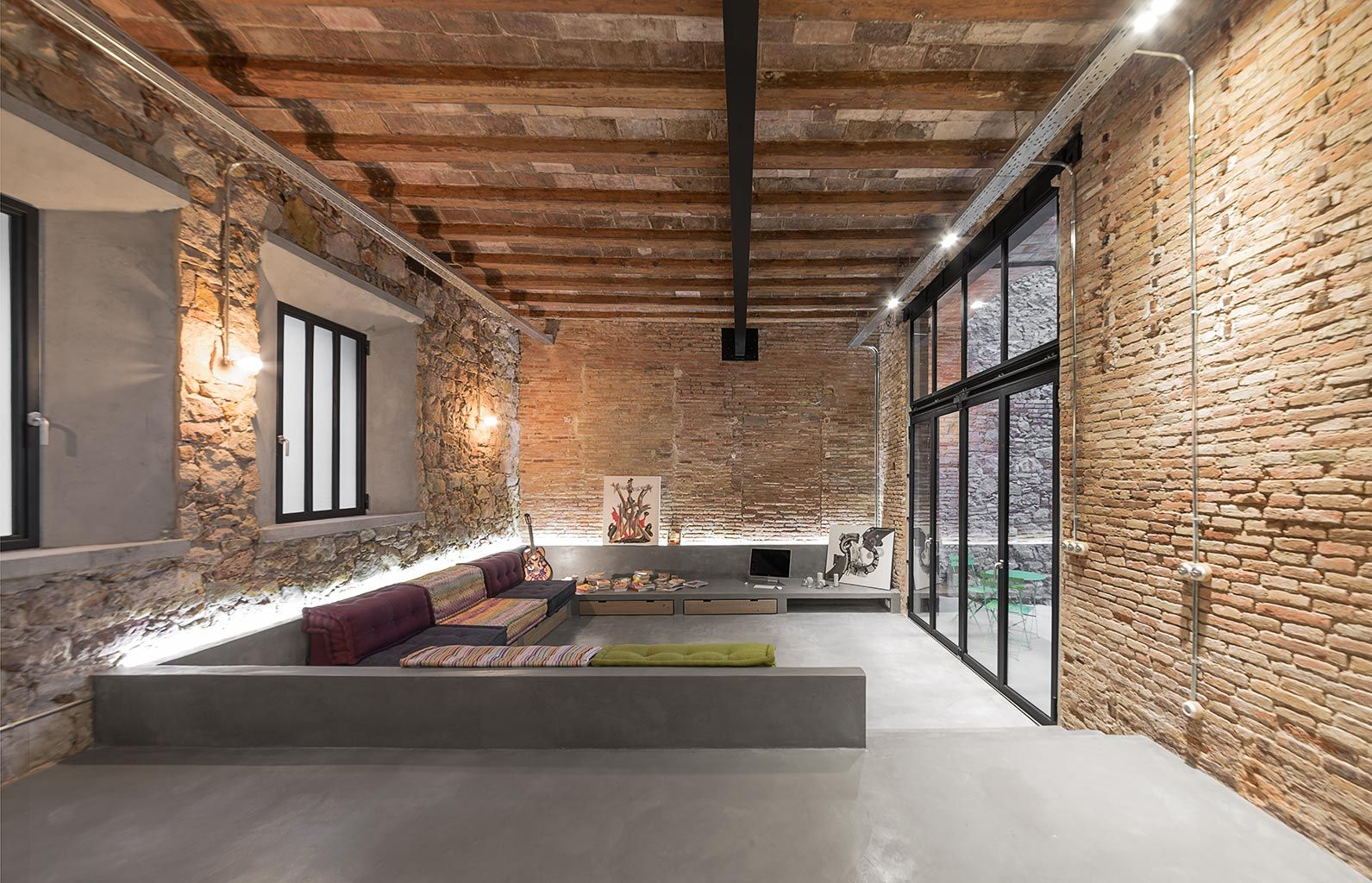 salon en contrebas avec canap int gr loft pinterest. Black Bedroom Furniture Sets. Home Design Ideas