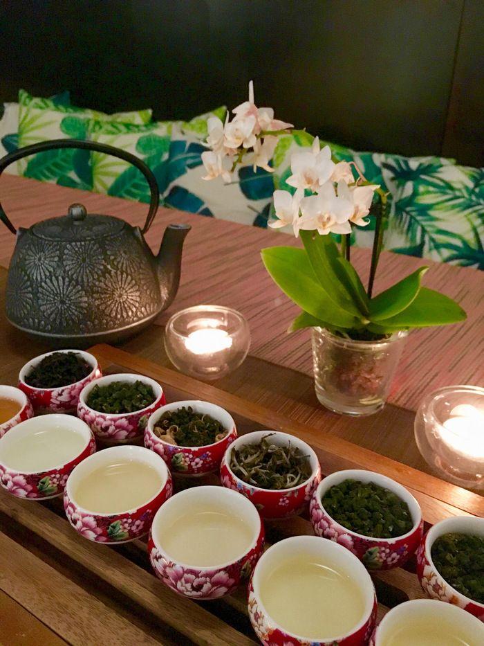 Rotermanni-korttelissa sijaitsee hurmaava Tea Wan -teehuone, jossa tarjoillaan teetä Taiwanista. Valittavana on 26 eri teelaatua oolong-teetä. Kupposen kuumaa voi nauttia kehuja keränneessä teehuoneessa tai ostaa teetä mukaan. Tea Wanissa järjestetään  myös perinteisiä gongfu-teeseremonioita. Niihin osallistuminen ainutlaatuista ja edullista. #teawan #tea #tee #eckeroline #tallinn