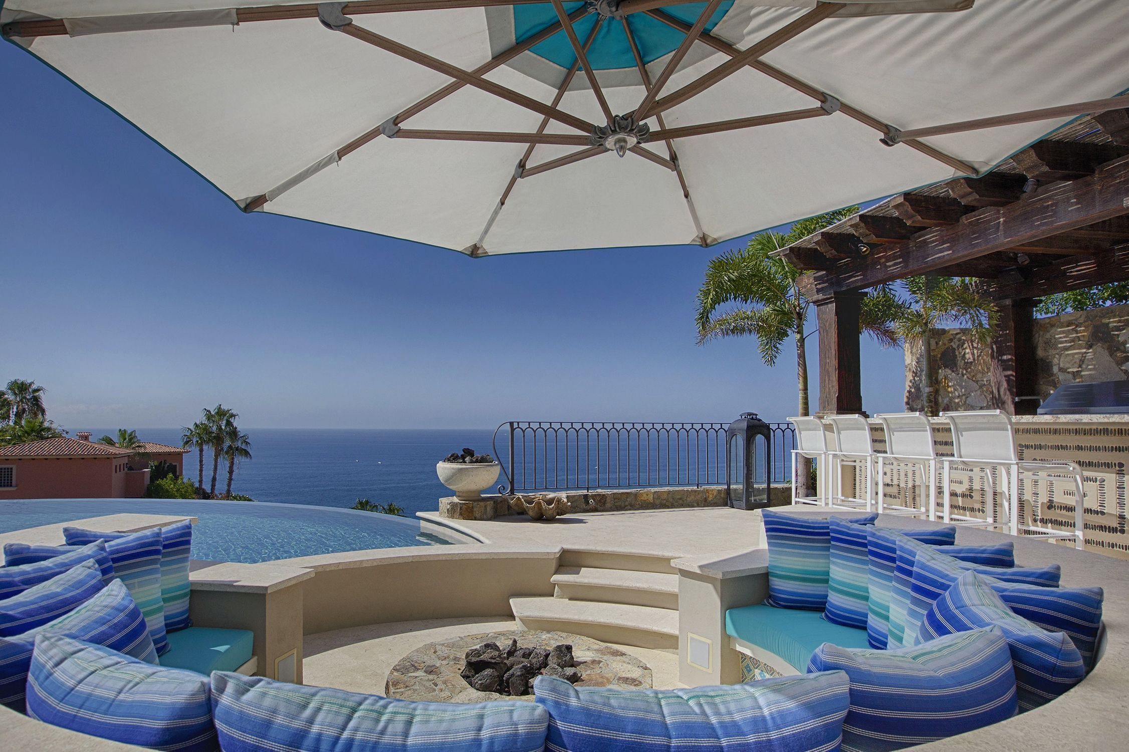 See The List Of The Best Luxury Hotels At Themonsyeursjournal Com Cabo Resorts Luxury Hotel Resort