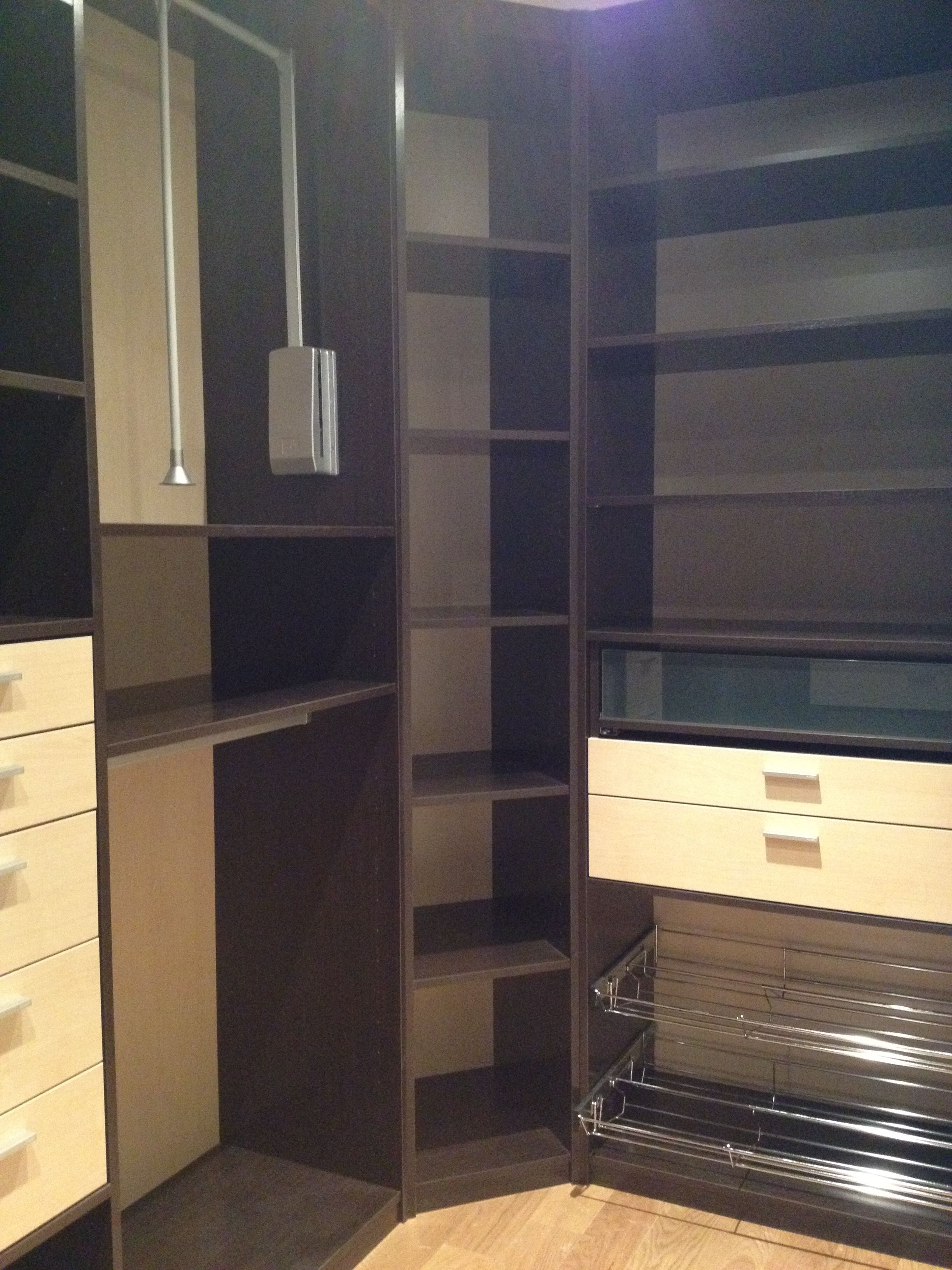 dressing ouvert bi color le must en rangement dressing. Black Bedroom Furniture Sets. Home Design Ideas