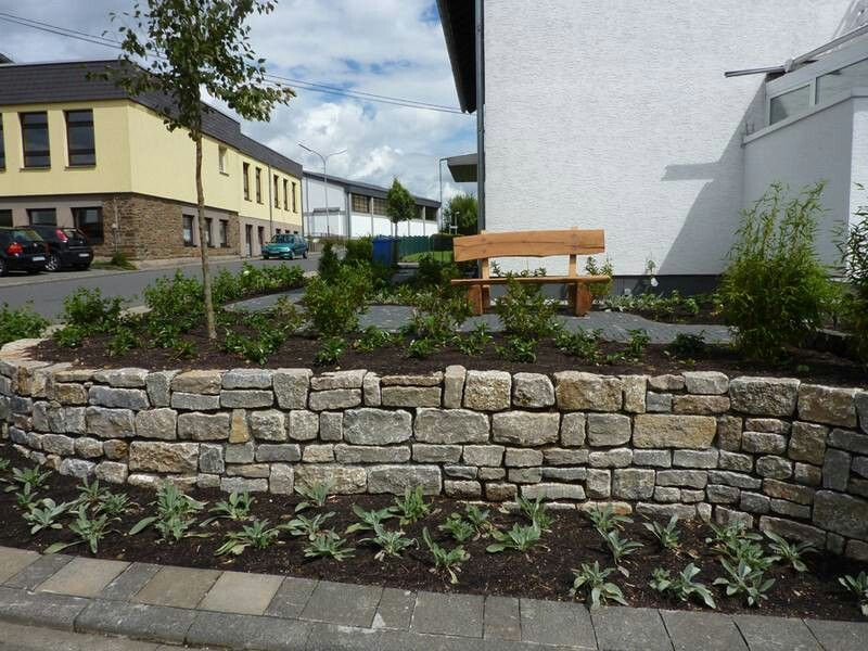 Trockenmauer aus Muschelkalk Trockenmauer Pinterest Au - gartenideen wall