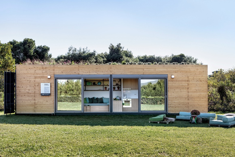 Stylish Shipping Container House Is Topped By A Green Roof Container Architecture Container House Plans Building A Container Home