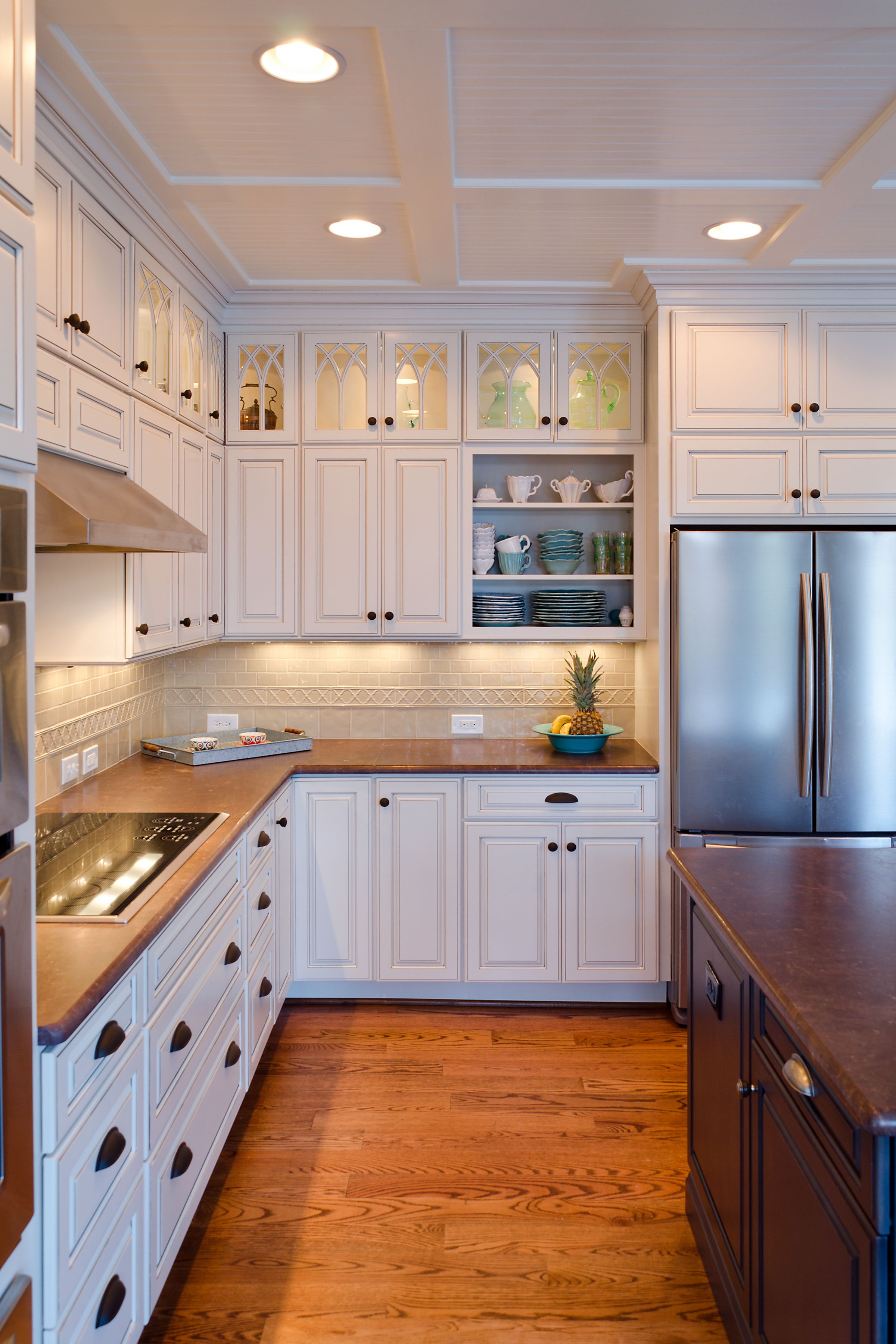 Kitchen Cabinets To Ceiling With Glass I Can 39t Decide Which Element I Love More The Decorative