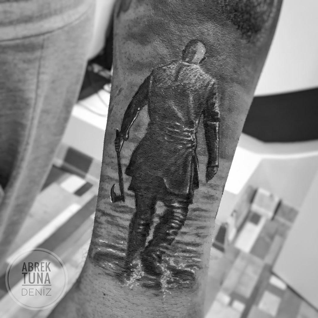 ☑️ . . . . . #tattooart #tattooturkey #realisticink #realistictattoo #tattoorealism #tattoobody #tattoolife #tattoos #realismtattoo #fkirons #worldfamousink #eztattooneedles #eztattooing #vikings #vikingstattoo #ragnartattoo #warriortattoo