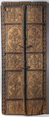 Pair of flower style doors 17th century. India. Wood | The f…