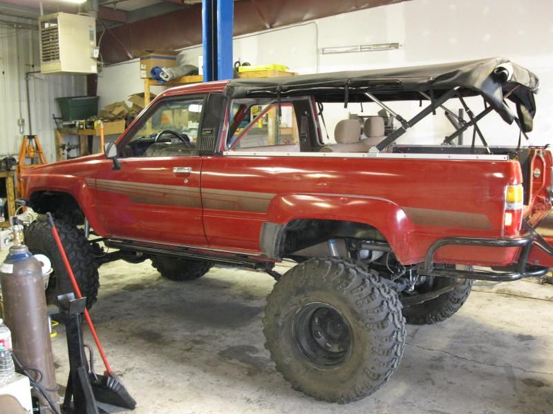 1st gen 4runner roll cage build pirate4x4 com 4x4 and - Interior roll cage for toyota pickup ...