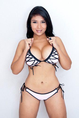 Lexxxi lockhart full figured woman