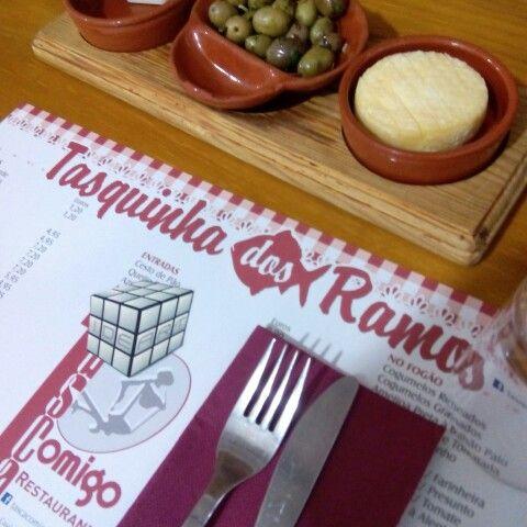 Hoje almoçamos na Tasquinha dos Ramos.  #almoço #food #comida
