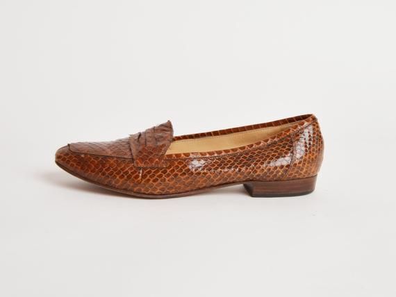 0fbf3b89675 Vintage 90s Snakeskin Penny Loafers   1990s Brown Leather Oxfords Shoes 8.5