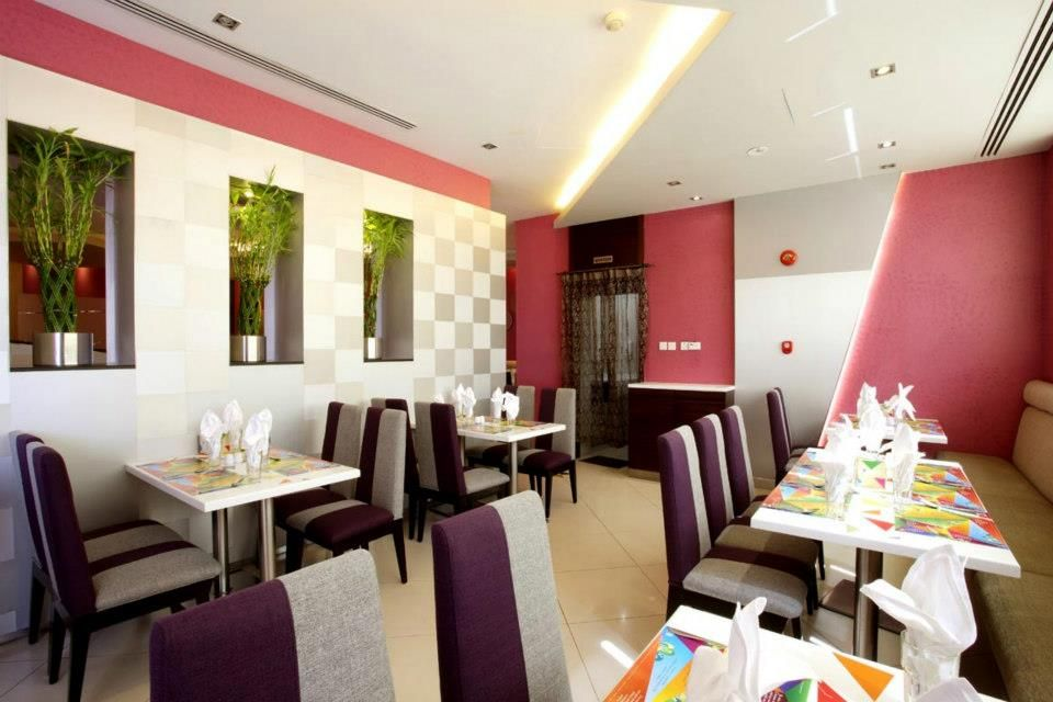 Pure Vegetarian Delicacies From All Corners Of The Subcontinent Come Together At Kamat A Vegetarian Ha Vegetarian Restaurant Restaurant Food Processor Recipes