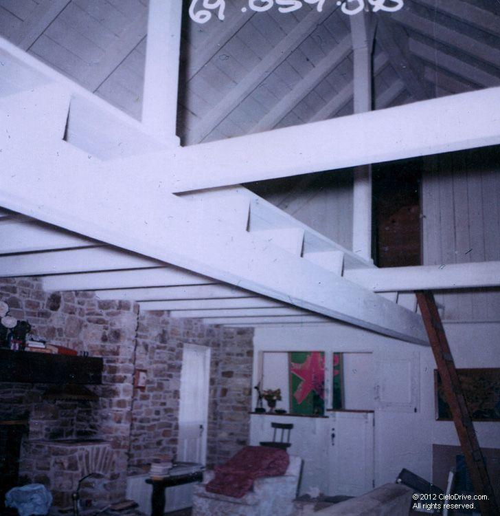 10050 Cielo Drive Living Room