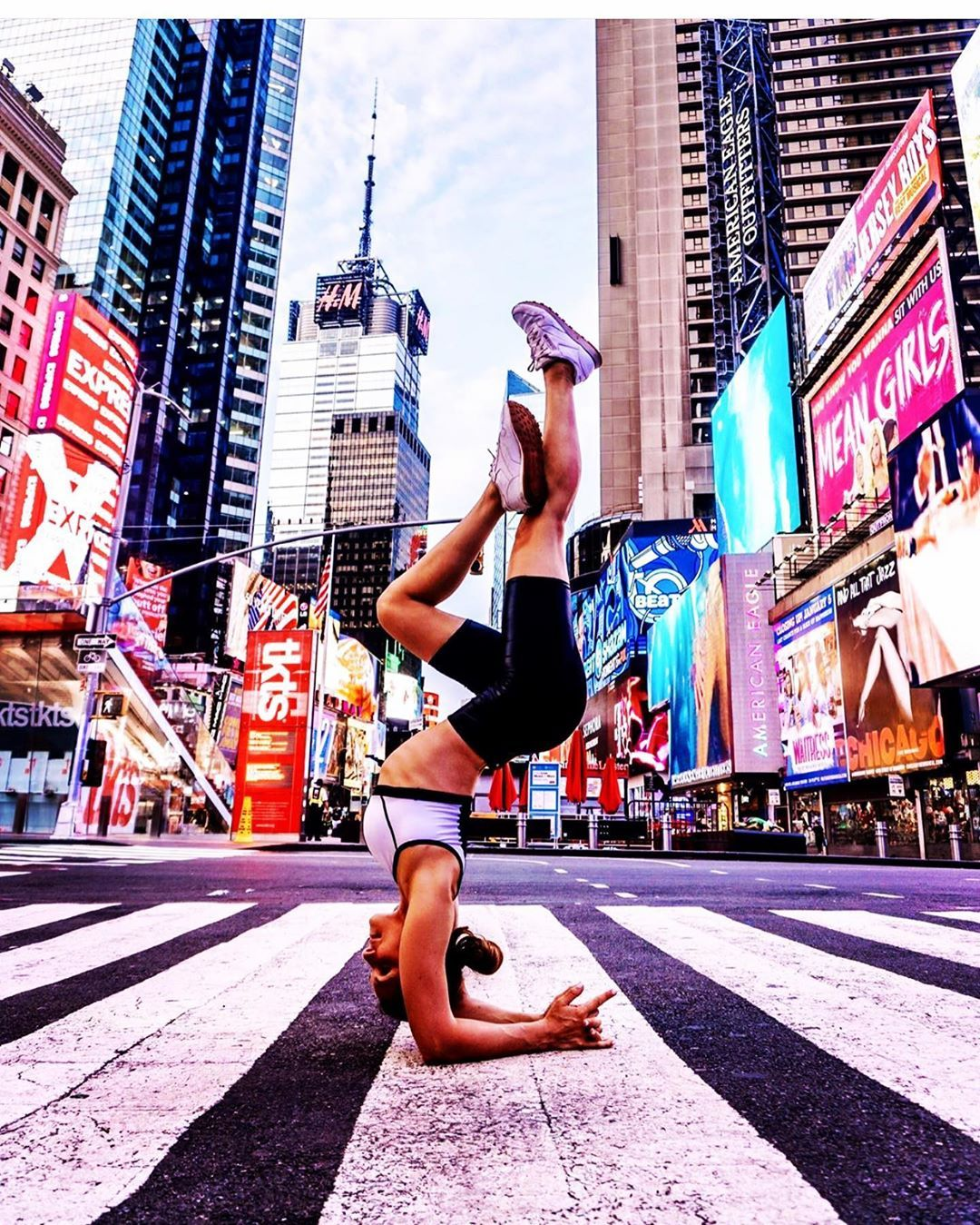 Taking a time out in Times Square. ♥️ New York Forever, baby!!! #yogagirl #yogainspiration #yogapose...