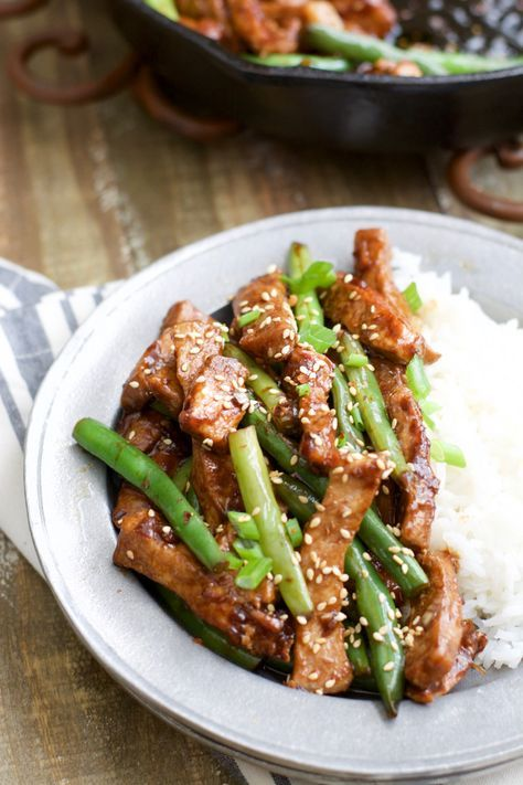Simple and delicious Sesame Pork and Green Beans! A healthy, hearty meal ready in under 30 minutes! #AllNaturalPork AD #dinner