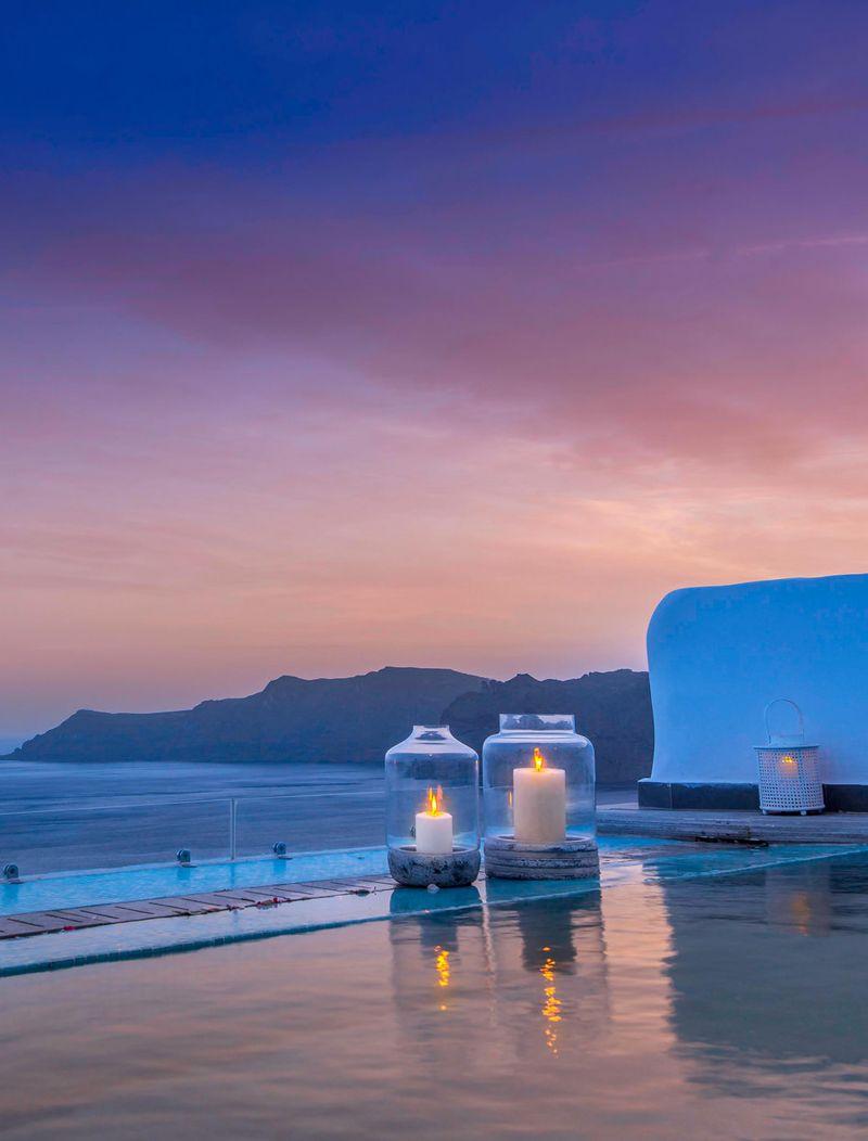 World Renowned Among Eternal Romantics Santorini Secret Suites