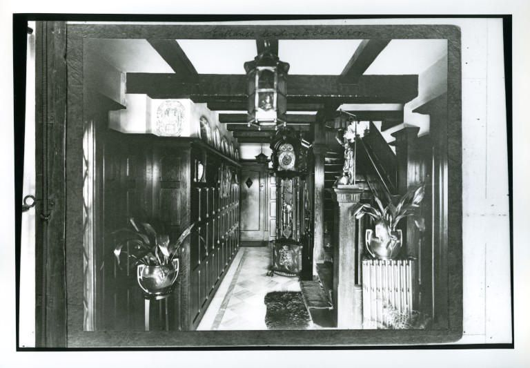 Entrance Hall - Photo c. 1925 - Object Record - Geffrye UK
