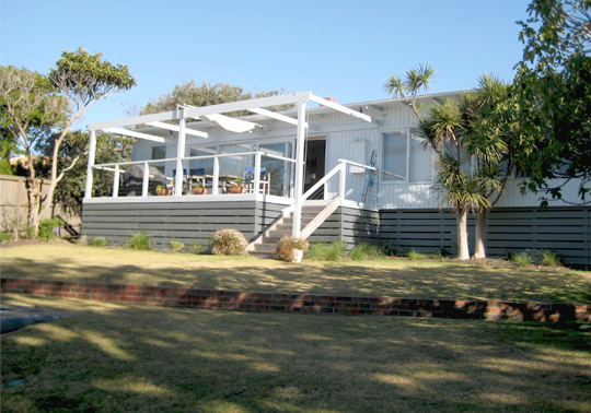 Australian 60 S Beach House Styles Share Design Home Interior Design Inspiration Beach House Exterior Retro Beach House West Coast House