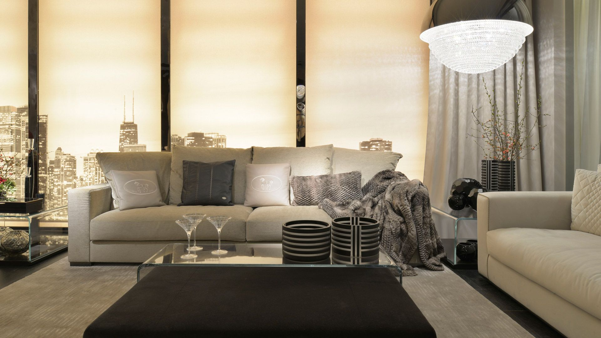 Living by casa fendi white couch with black rim for Interior design italiani