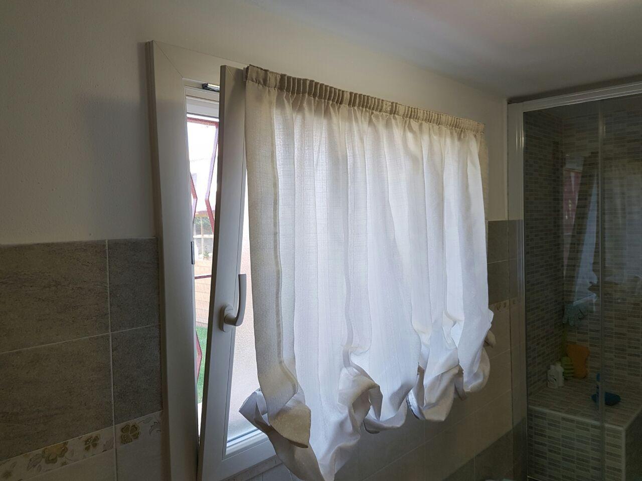 Tenda a pacchetto a vetro per bagno garage tende da interni serramenti ed avvolgibili pinterest - Tende a vetro per bagno ...