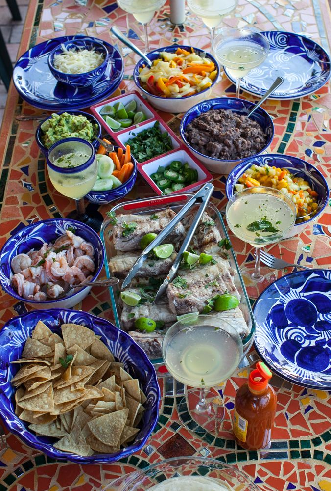 mexican fiesta information Mexico's people the mexican population is made up of three main groups of people a fiesta is a festival that celebrates a holiday such as cinco de mayo and the day of the dead (el d a de los muertos) the town celebrates with fireworks.