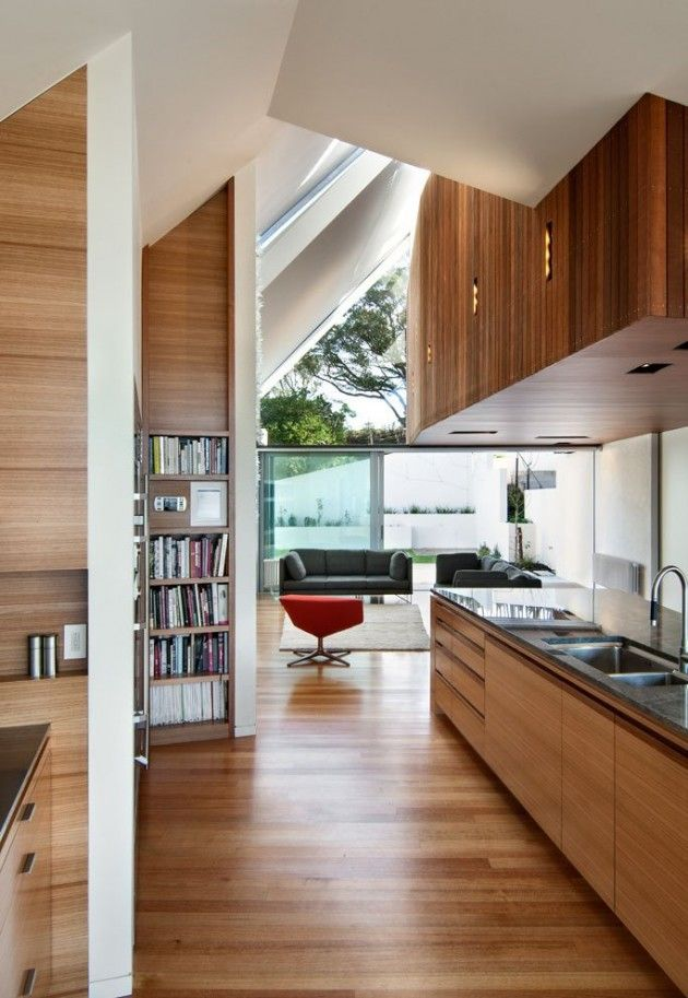 Parsonson Architects have designed the Seaview House in Wellington ...