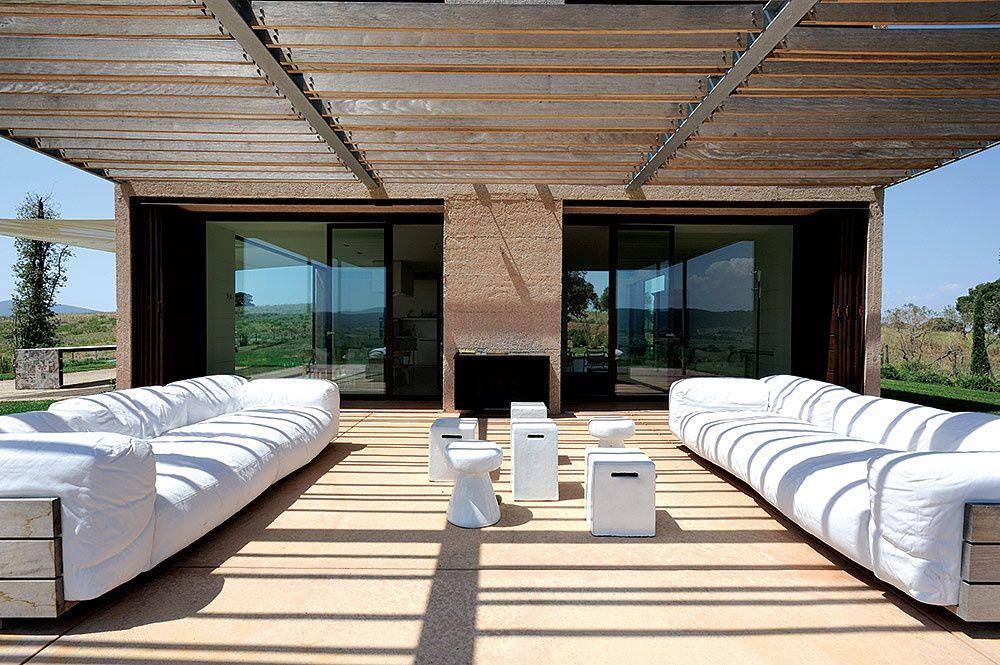Casa en la Toscana de Piero Lissoni - terrazas en madera