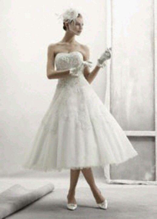 Tea cup wedding dress. So pretty!