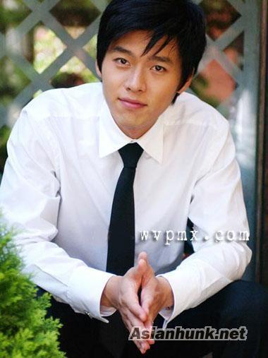 연 빈 (Hyun Bin) from My Lovely Sam Soon.