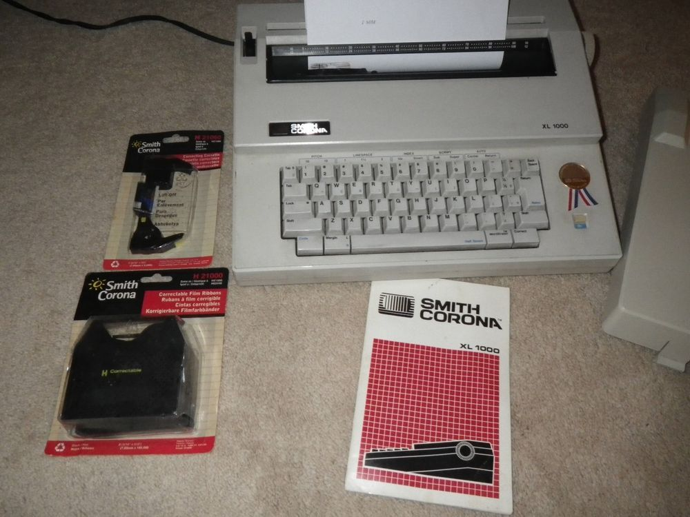 Smith Corona Xl 1000 Electric Typewriter With Case Tested Working Extras Afflink Electric Typewriter Typewriter For Sale Typewriter