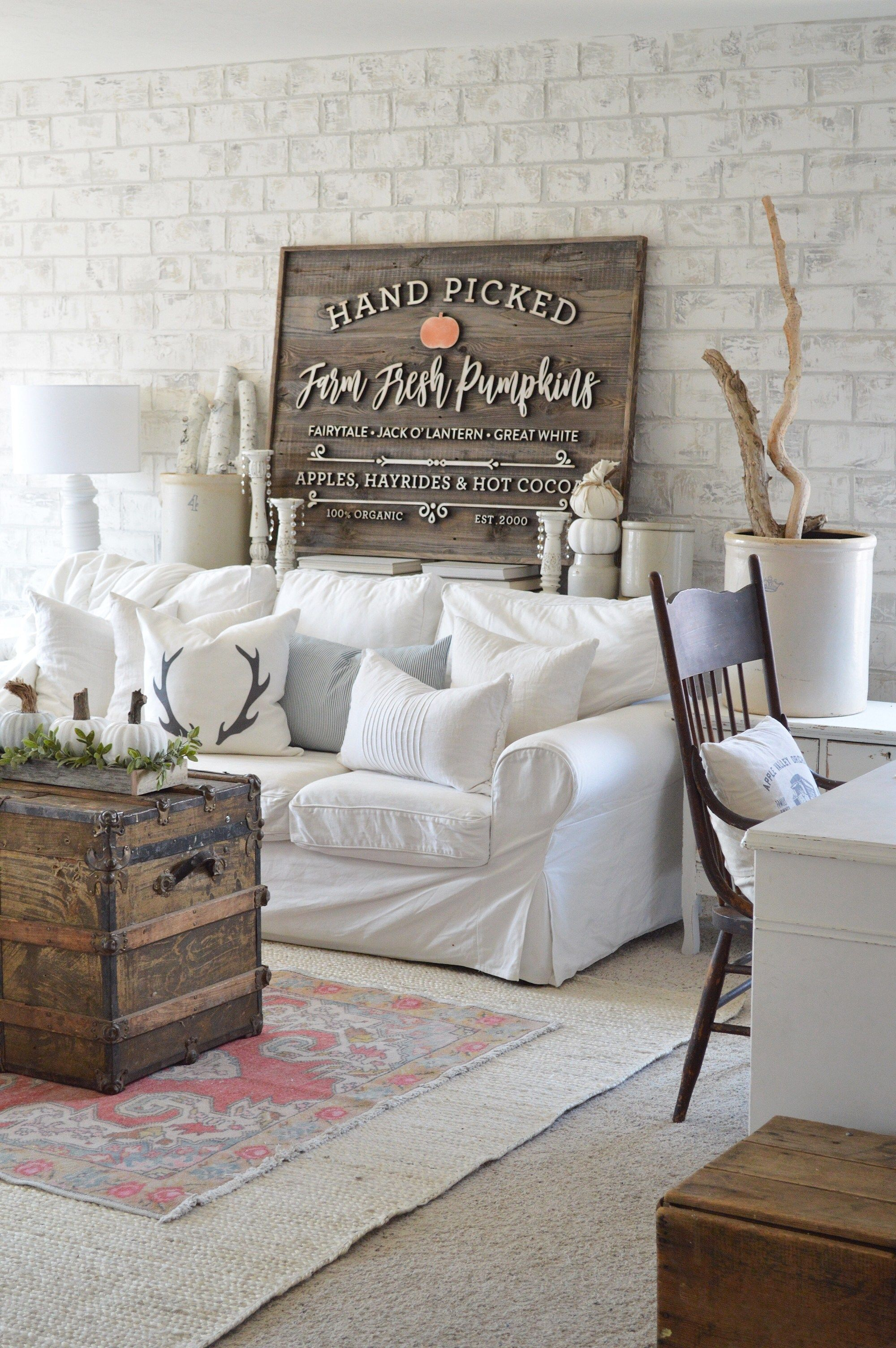 Adding vintage touches to home decor decorating ideas pinterest
