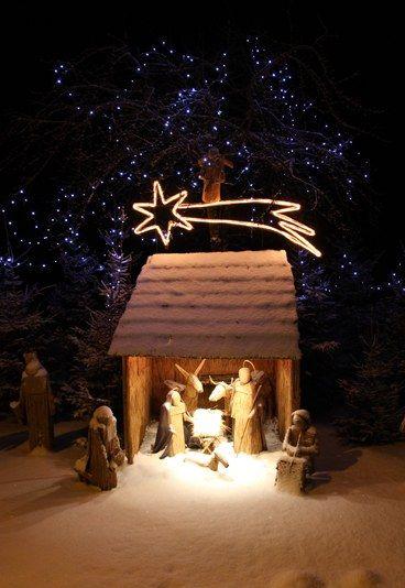 Chants de Noel, autour de la crèche. Paroles de Il est né le Divin Enfant