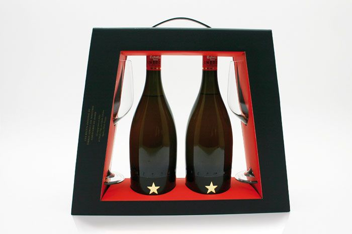 packaging pack coffret stand alone display alcool LEP The Estrella Damm Inedit beer pack.jpg