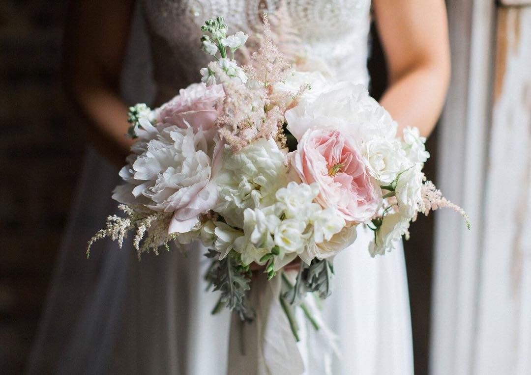 Such a gorgeous bouquet from @helsmawson tied with my #silkribbon - stunning photography as always by the talented @melissabeattiephotography #weddingbouquet #weddingflowers #fineartbride #fineartwedding