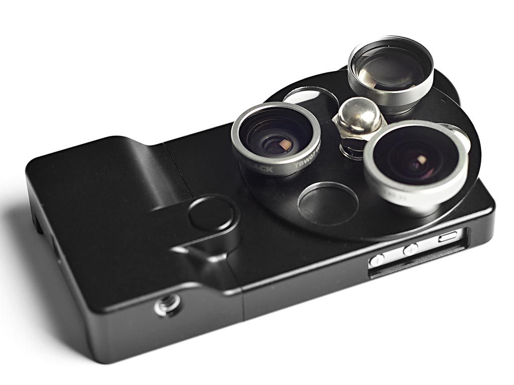 Aluminum iPhone 4S Case with Integrated Phone Lenses .... I Want It