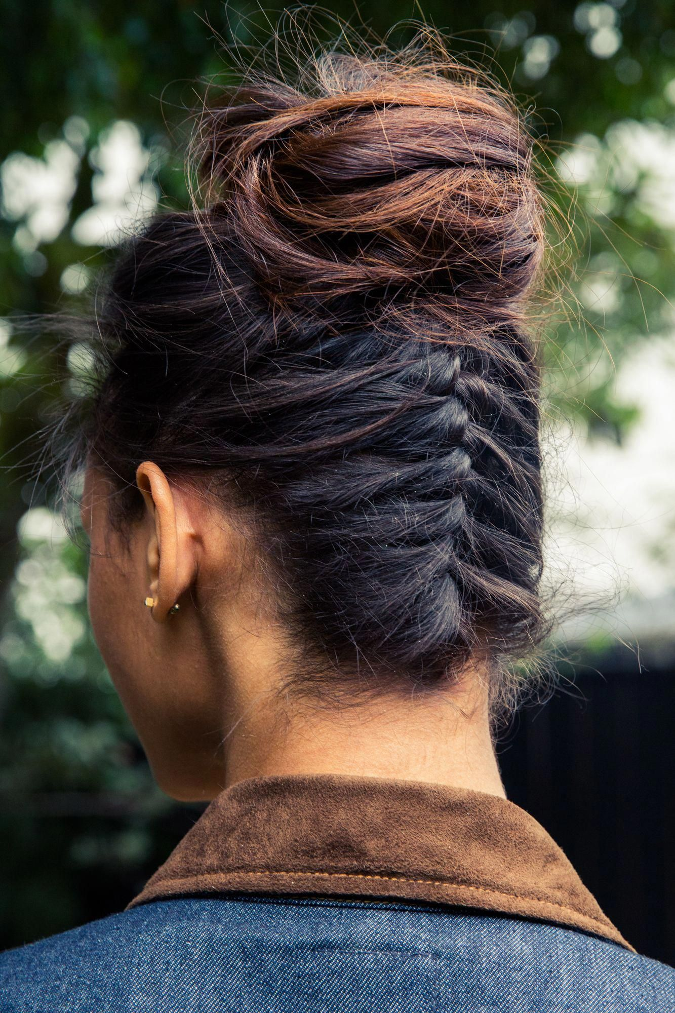 Hairstylist Dax Sarmiento Of Mare Salon In La Showed Us How To Do A Braided Bun This Year S Update To The Braid Hair Styles Braided Bun Hairstyles Easy Braids
